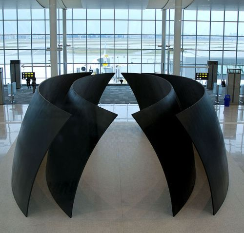 Cloistered art -- Serra's Tilted Spheres as an example of derelict art